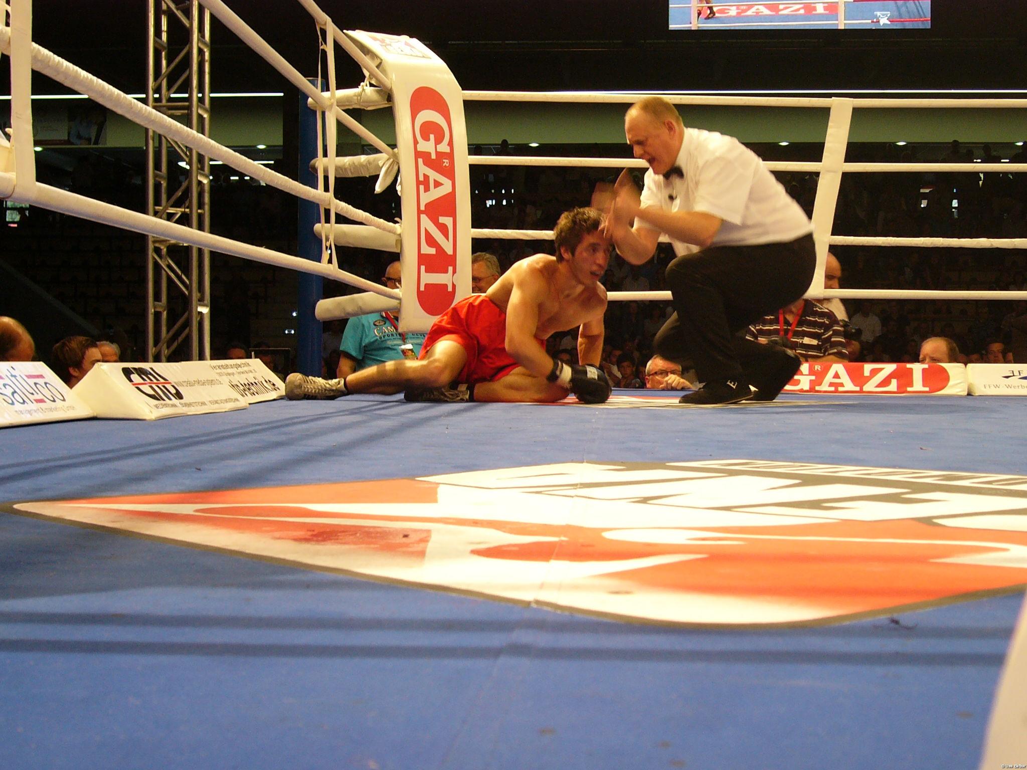 Oben ohne boxen frauen Frauenboxen: Damenkampf