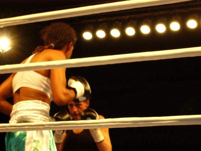 Ramona Kühne vs. Halanna Dos Santos